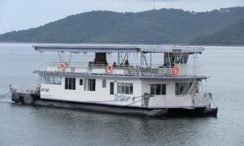 Houseboats   VisitKariba com